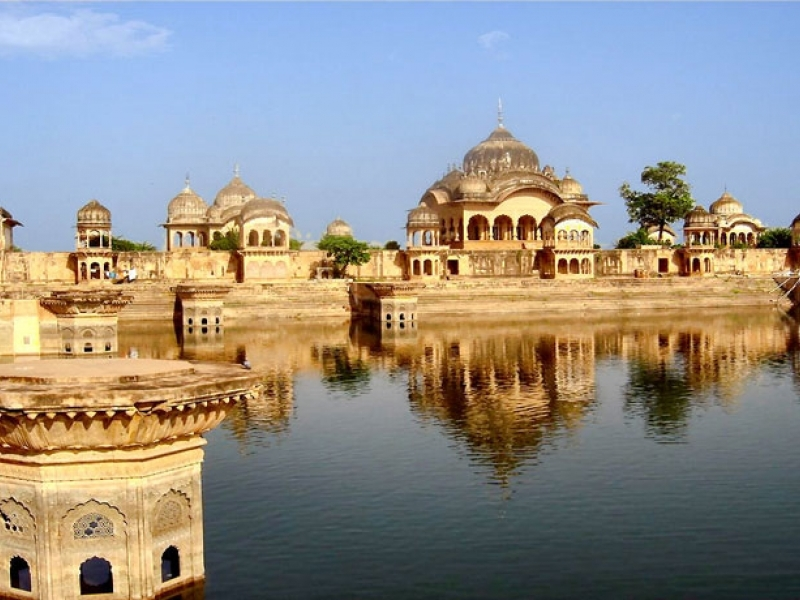 divine-mathura-and-vrindavan-with-agra-holiday